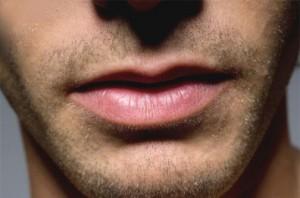 prieš kunilingą būtina nusiskusti barzdą